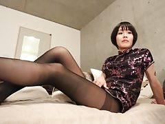 Yoko`s Plays in Pantyhose